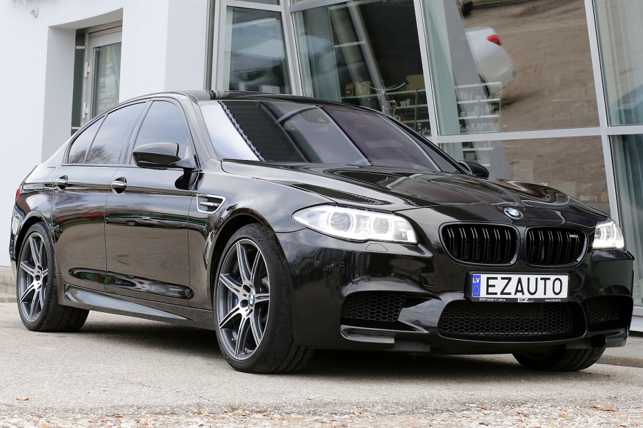 BMW M5 F10 INDIVIDUAL FACELIFT 4 4i Twin Turbo 560 ZS | EZ AUTO
