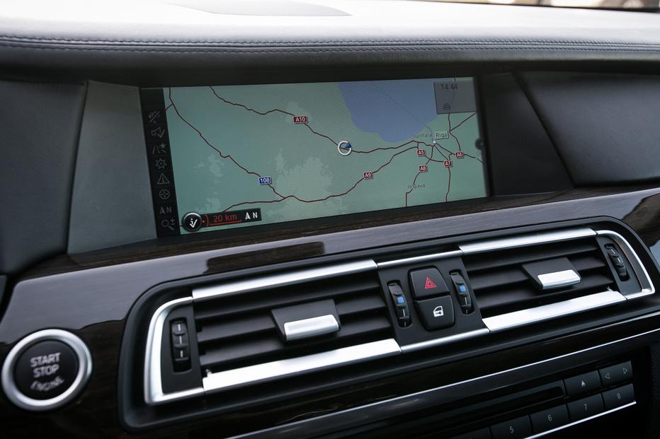 BMW 730D F01 30D 245ZS