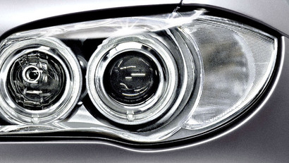7_adaptive-headlights.jpg.resource.1373899964617