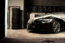 57_bmw_cars_garage_1920x1080_wallpaper_wallpaper_1280x960_www.wallpaperswa.com_thumb
